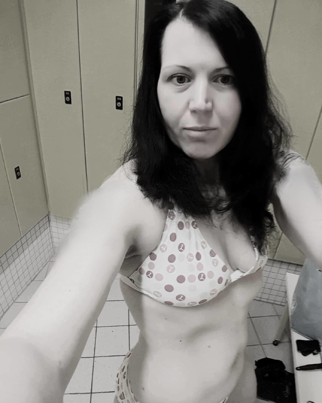 Nude pixhost Debbie McGee